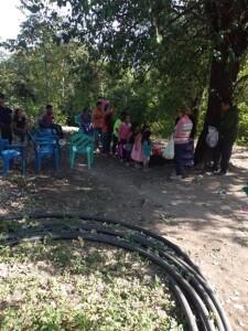Ministring to the children in Milpas Viejas